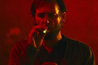 "Josh Lucas in ""The Mend"""